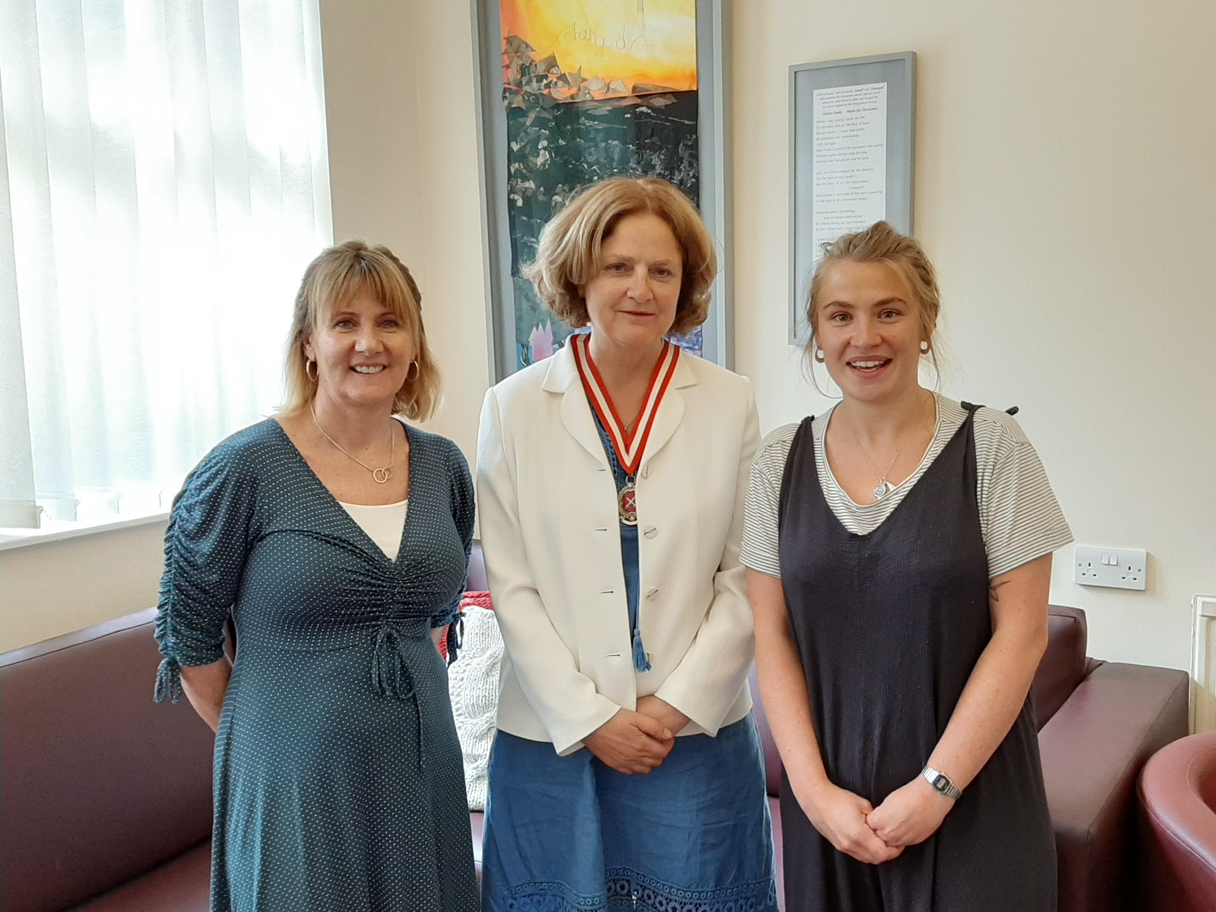 Suzi & Abbie with Lady Agnew